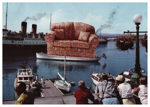 Sofa Emigrates to America
